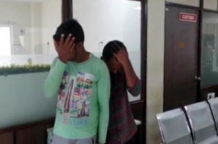 Molestation On Tirupati Girl By Two Men - Sakshi