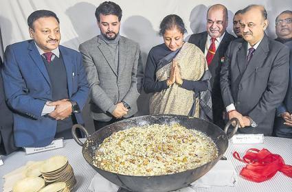 Budget 2020-21 document printing starts with halwa making tradition - Sakshi