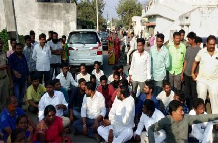 Telangana Municipal Election Polling Begins - Sakshi