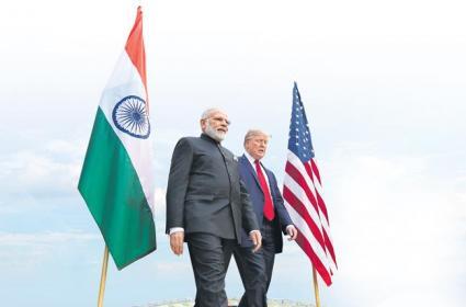Namaste Trump meets Howdy Modi in India - Sakshi