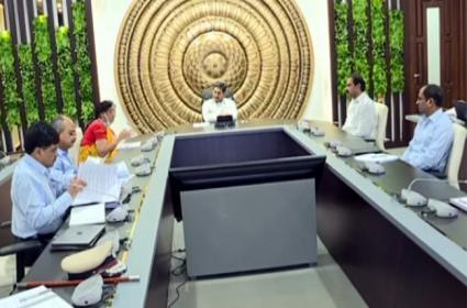 AP CM Ys Jagan Mohanreddy conducts review on corona virus - Sakshi