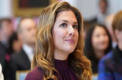 Justin Trudeaus Wife Recovers From Coronavirus - Sakshi