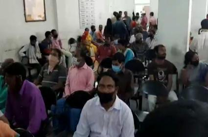 Corona Effect : Cases Increase To Erragadda Mental Hospital - Sakshi