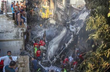 PIA Attitude Deepens Wounds of Pakistan Plane Crash Victims Kin - Sakshi