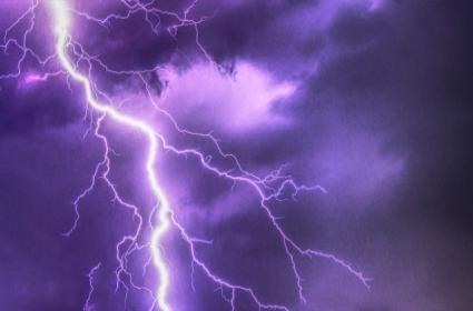 Disaster Management Thunderbolt Warning In Andhra Pradesh - Sakshi
