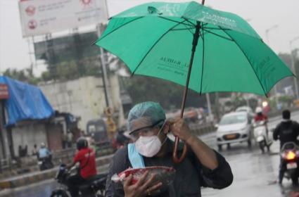Mumbai Exhales Reportedly No Damage From Cyclone Nisarga - Sakshi