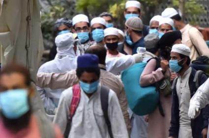 Over 960 Foreign Tablighi Jamaat Members Banned To Enter In India - Sakshi