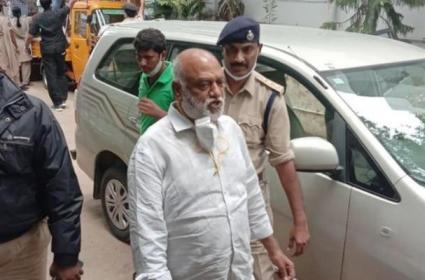JC Prabhakar Reddy Accepts His Crime For Vehicles Illegal Registration - Sakshi