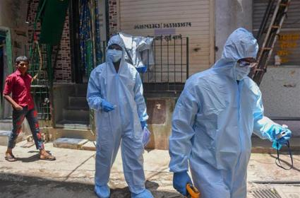 Mumbai Surpasses China In Coronavirus Deaths And Cases - Sakshi