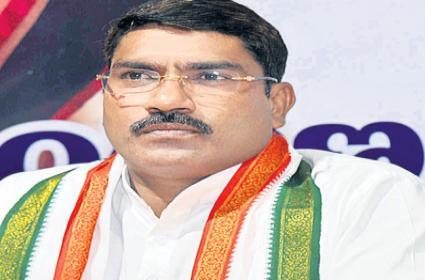 AICC Secretary Sampath Kumar Fires On Telangana Government - Sakshi