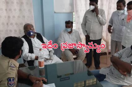 Warangal Police Arrest V Hanumantha Rao Visit Pule Statue - Sakshi
