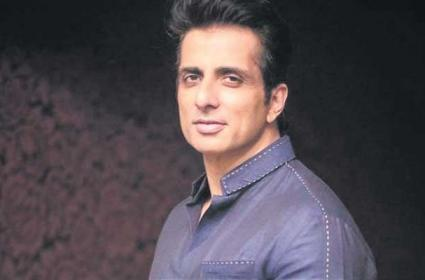 Actor Sonu Sood Got United Nations Award - Sakshi