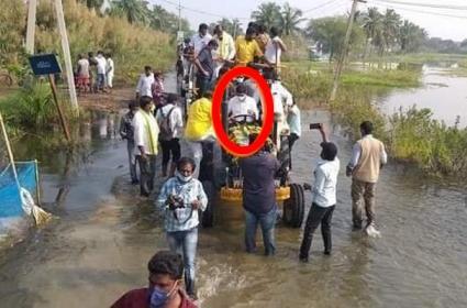 nara lokesh safely escape, tractor slips into Uppateru canal In West Godavari - Sakshi