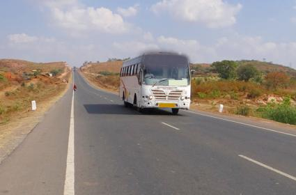 Central Government gives Green Signal to122-km Roads in Telugu States - Sakshi