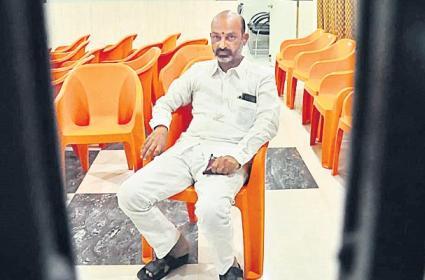Bandi Sanjay Protest Against His Arrest In Karimnagar - Sakshi