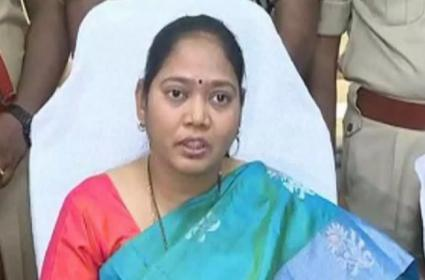 Home Minister Mekathoti Sucharitha Comments Over AP Police - Sakshi