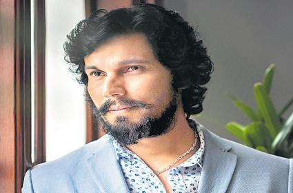 Randeep Hooda makes digital debut with cop thriller series - Sakshi