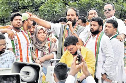 GHMC Elections 2020: Modi Hyderabad Visit A Drama Says Uttam Kumar - Sakshi