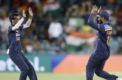 Team India Beat Australia By 11 Runs In First T20 - Sakshi