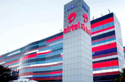 Airtel mobile subscriber growth exceeded Reliance jio in September - Sakshi
