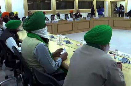 Central Ministers Meeting With Farmers For The 5th Time - Sakshi
