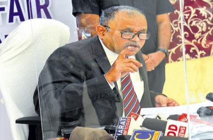 SEC Nimmagadda Ramesh Kumar Behaviour Over Press Meet Troll - Sakshi