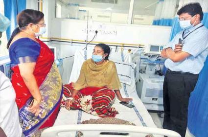 Guntur ASHA Activist Brain Dead After Taking Covid Vaccine - Sakshi