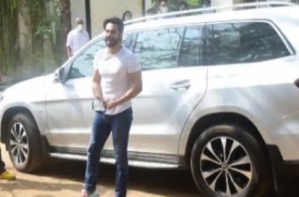 Actor Varun Dhawan Car Met With Minor Accident - Sakshi