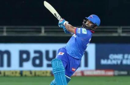 IPL 2021: Ricky Ponting Says Pant Is Like Virat Kohli And Kane Williamson - Sakshi