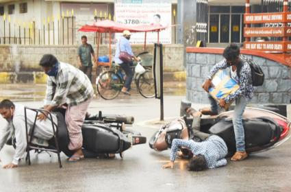 Road Accidents Due To Over Speed - Sakshi