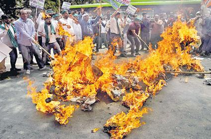 Ruckus forces Lok Sabha to adjourn till July 26 - Sakshi