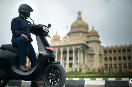 Ola CEO Bhavish Aggarwal Gave Hints About Scooter Maximum Speed - Sakshi