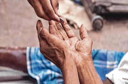 Supreme Court Refuses To Ban Begging At Public Places Amid Covid Pandemic - Sakshi