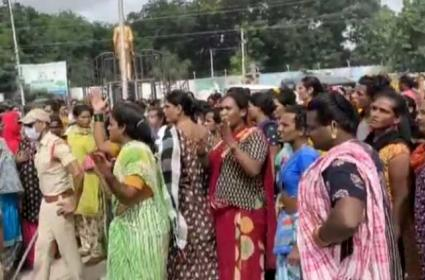 Hijras Gang War In Anantapur - Sakshi
