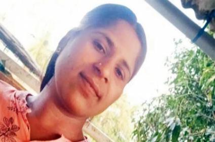 Head Constable Stolen Seized Goods Worth Of 26 Lakhs In Mumbai - Sakshi
