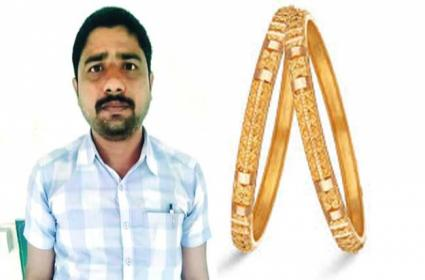 Funny Thief: Only One Gold Bangle Theft - Sakshi