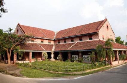 TDP Corporaters Support To Dwarampudi ChandraSekhara Reddy In Kakinada - Sakshi