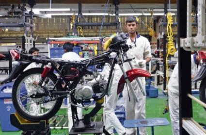 Hero MotoCorp To Hike Prices of Motorcycles, Scooters - Sakshi