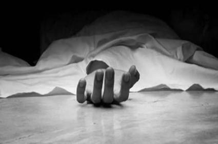 Yadadri Bhuvanagiri District: Pregnant Women Assassination As Doctors Leave Cotton Inside After C Section - Sakshi
