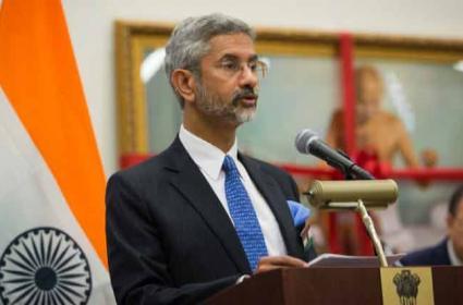 India asks UK to Revise COVID Quarantine Rules, Warns Retaliation - Sakshi
