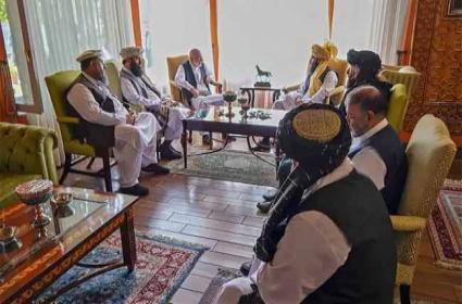 Pak, Chinese, Russian Envoys hold Talks with Taliban in Kabul - Sakshi
