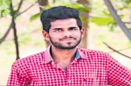 Young Man Passed Away For His Girlfriend In Nalgonda District - Sakshi
