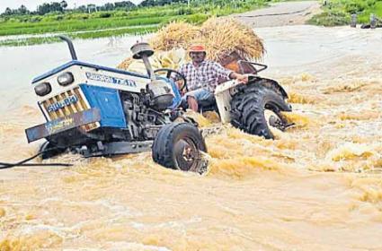 Heavy Rains In Telangana Due To Gulab Storm - Sakshi