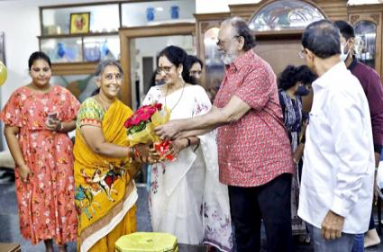 Krishnam Raju Family Celebrates Their Maid 25Years Of Service - Sakshi