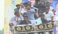 YS Jagan supports Dharmavaram weavers hunger strike