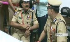 Mahender Reddy takes office as telangana dgp - Sakshi