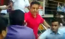 kamal Hassan pushed his fan in video - Sakshi