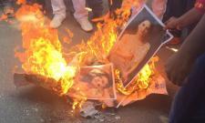 Karnataka Rakshana Vedike Yuva Sene warns Sunny Leone for new year event - Sakshi
