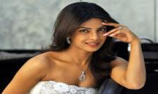 priyanka chopra demons to 5 crore for dance performance - Sakshi