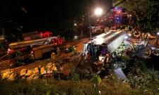 18 killed, dozens injured in Hong Kong bus crash - Sakshi